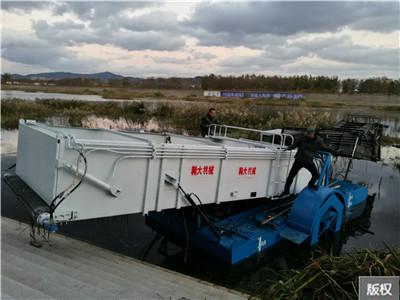 重庆水葫芦收割船