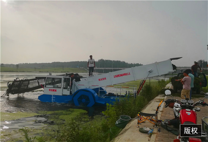 清理河道垃圾打捞船