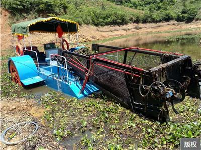 水草收割粉碎船