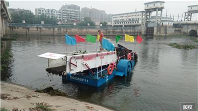 海上自动收集垃圾船