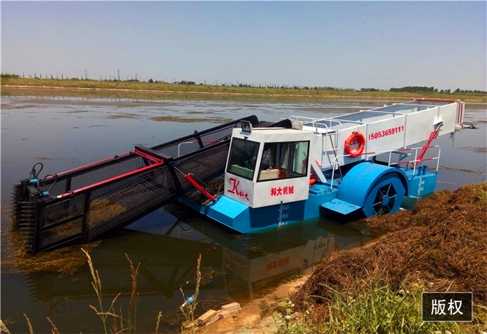大型水葫芦收割船