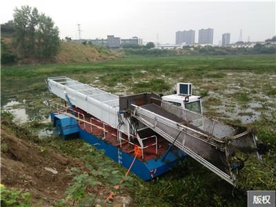 小型水面自动保洁船