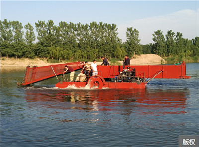 河道杂草清理设备