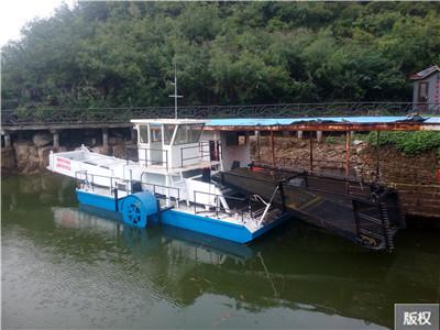 福建浒苔打捞船