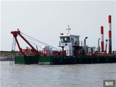 清淤清漂船